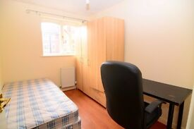 AMAZING AND MODERN STANDARD ROOM IN CANARY WHARF, all bills are included.