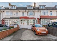 SW17 7LS - ANSELL ROAD - A STUNNING 4 DOUBLE BED HOUSE WITH PRIVATE GARDEN & PRIVATE DRIVEWAY