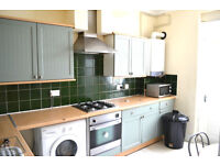 SPECTACULAR 3 BEDROOM TERRACED HOUSE CLOSE TO CANARY WHARF