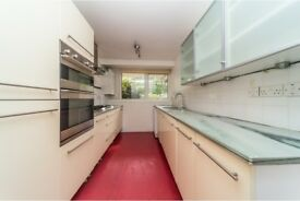 Kitchen units, including appliances, int. fridge freezer and w/machine