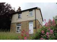 Detached Large Property - Large Family Home - Newly Decorated - Stile Common Road, Newsome, HD4