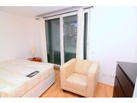 LARGE DOUBLE ROOM WITH BALCONY IN CENTRAL LONDON!ALL BILLS INCLUDED!