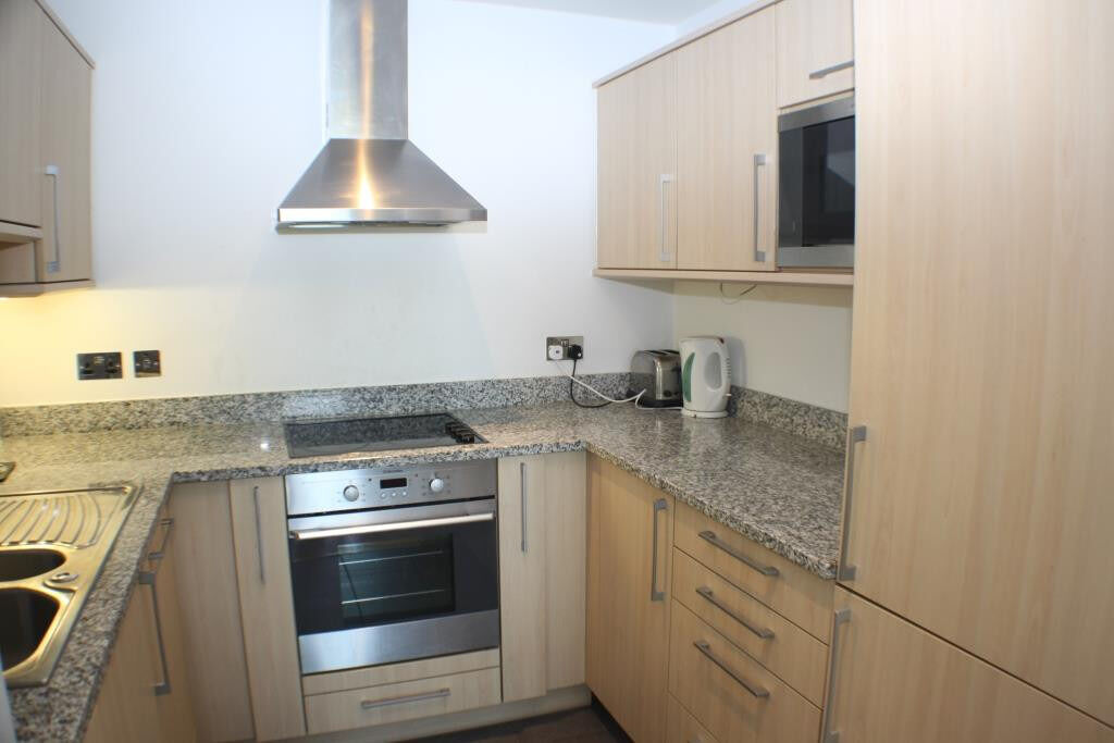 Stylish one bedroom apartment in a modern development moments from the Excel centre.