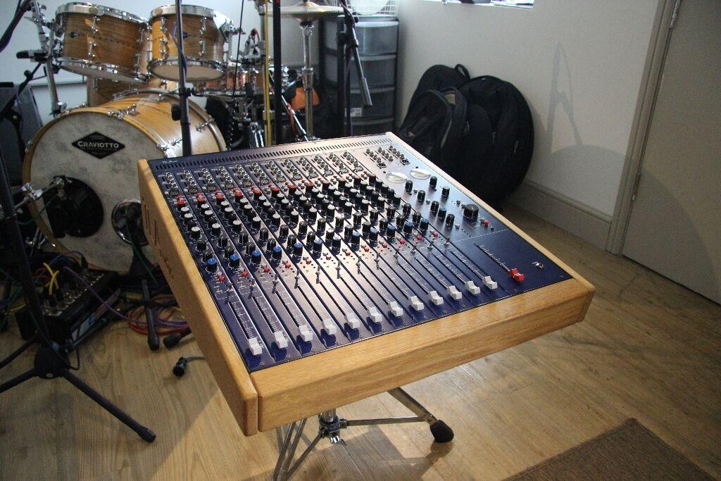 Tl Audio M1 Tracker 12 Channel Valve Mixing Desk