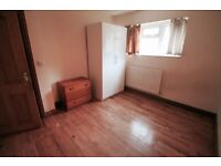 Excellet Twin Room in Stockwell just near the Station just 185 pw //14J