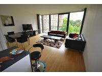 2 bedroom flat in Simpson Loan, Central, Edinburgh, EH3 9GE