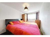 3 AWESOME ROOMS IN ELEPHANT AND CASTLE - PERFECT FOR THOSE WORKING IN LONDON BRIDGE