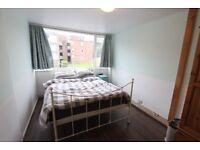 3 bed flat. Close to tube, Supermarket, HIGH STREET, coffee shops, restaurants, schools, parks, HA6