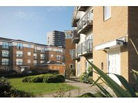 GREAT LOCATION - PRIVATE DEVELOPMENT - DLR ACCESS TO CITY AND CANARY WHARF