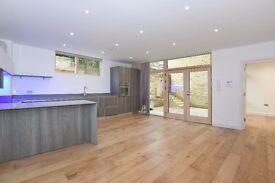 *** Beautifully presented three bedroom family home, Waverley Road, N8 ***