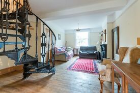 Exceptional three bedroom terraced Victorian half-house set in a cul-de-sac off Lordship Lane, SE22
