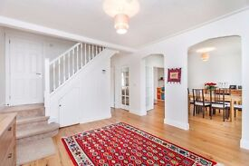 A beautiful well located 5 Bedroom house for Sale in Edgware