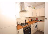 Spacious 3 Bed Flat in Period Converted House (E1)!