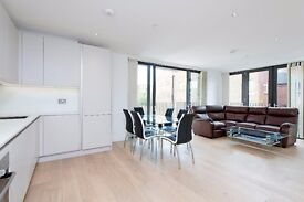 * STUNNING TWO BED TWO BATH APARTMENT IN SW11 * NEW BUILD * BALCONY * FURNISHED * AVAILABLE NOW! *