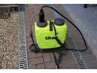 Titan 16 Knapsack sprayer