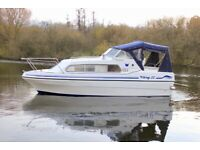 Viking 22 Widebeam 4 Berth Cruiser Boat