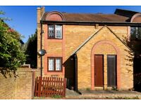 Clifton Place - A lovely two house to rent with private garden and bright spacious living space