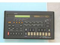Yamaha QY10 Seq-Sound module - Drum machine