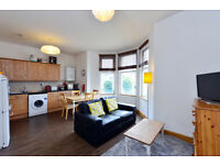 Lovely 2 Double Bedroom Flat in the Heart of East Finchley and within Miniutes walk to the Station