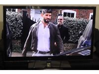 """47"""" LG 47LW4500 3D FULL HD LED TV WITH BUILT IN FREE VIEW IN A VERY GREAT CONDITION WITH BOX."""