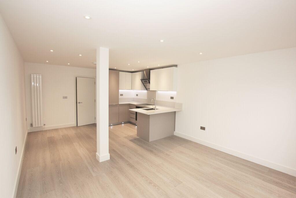 2 bedroom flat in Hendon Way, Hendon, NW2
