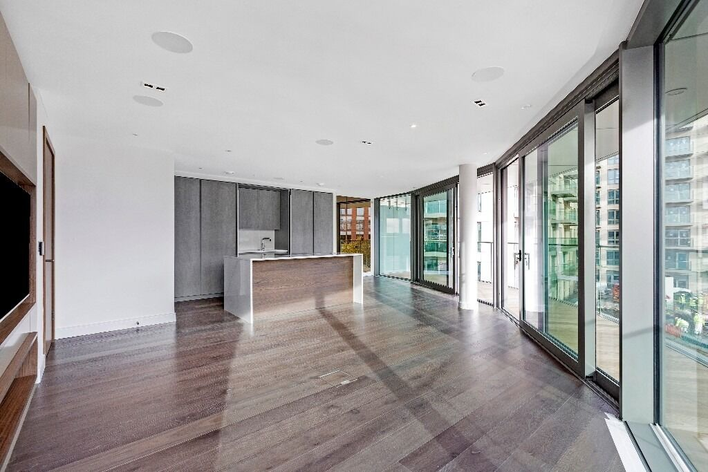 A beautiful 2 bedroom apartment in the award winning Fulham Reach development, Parr's Way W6