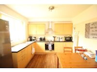 LOVELY 1 BEDROOM FLAT SITUATED IN FELTHAM/ HATTON CROSS/ HEATHROW. INC ALL BILLS EXC ELECTRIC TW14