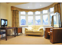 Massive shared twin room in large detached family house in Ealing