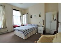 LARGE 3 Double Bed Flat In SEVEN SISTERS - Close To VICTORIA LINE! (Electric Bills Incl.)
