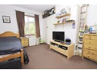 DOUBLE BEDROOM TO RENT IN WEST DRAYTON | £550 PCM BILLS INCLUDED