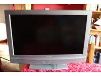 "SONY BRAVIA 32"" LCD TV (KDL32U2000)"