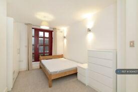 2 bedroom flat in Eagle Works West, London, E1 (2 bed) (#1104437)