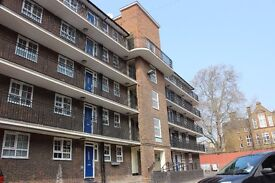 spacious three bed room first floor flat N1 Call Robert now on 02037731221