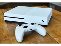 Boxed 1TB Xbox One S with Skyrim and GTA4 and GTA5 - As new