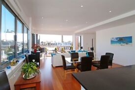A GORGEOUS 3/4 BEDROOM PENTHOUSE APARTMENT IN BATTERSEA*ROOF GARDEN*OPEN PLAN RECEPTION*3 BATHROOMS*