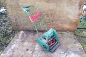 Qualcast classic 30 push reel lawn mower