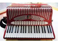Guerrini Italian accordion model Folk 626 five voice musette and straight tuned,hand made reeds.Mint