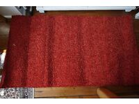 80 * 150cm red rug, deep pile, excellent condition