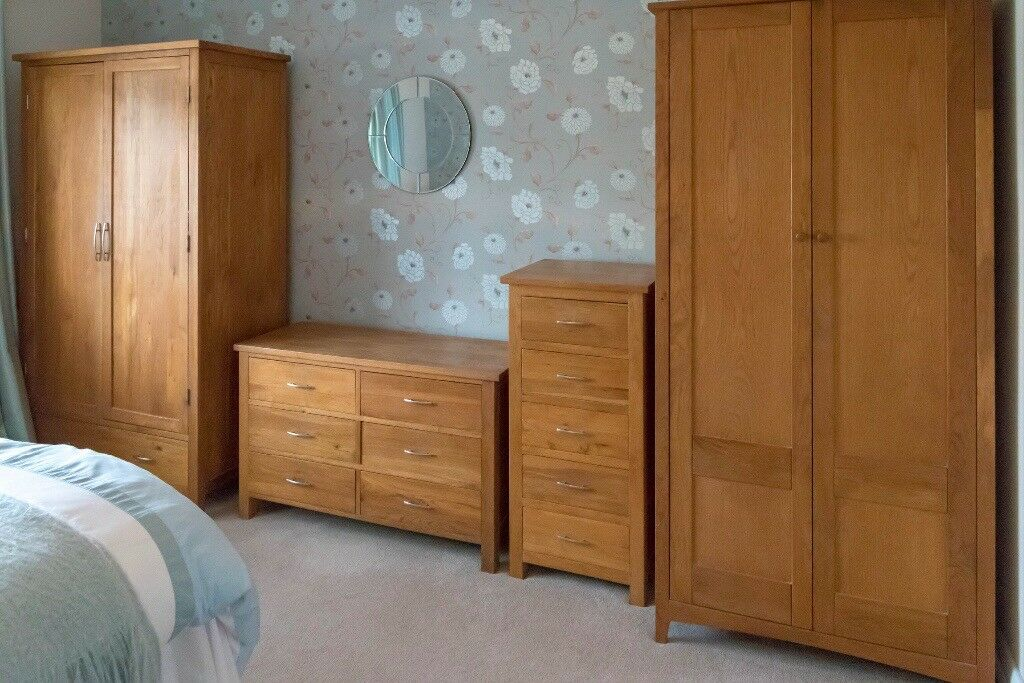 Top quality solid oak bedroom furniture from eddershaws in cyncoed cardiff gumtree for Best quality bedroom furniture