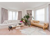 SPACIOUS TWO BEDROOM HOVE SEAFRONT APARTMENT.