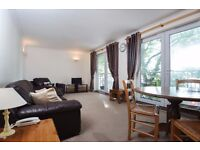 Rope Street - A spacious two double bedroom apartment with dock views, balcony and parking