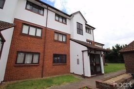 1 bed ground floor flat to rent in Purfleet. Immaculate condition Unfurnished. £725 pm.