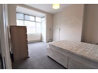 Room To Rent in Family Home Close to Turnpike Lane, N17
