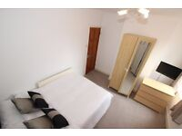 DOUBLE BEDROOM WITH ENSUITE BATHROOM - 3 OCCUPANTS SHARED HOUSE - AVAILABLE 16th JULY