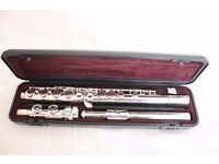 Yamaha YFL 211 Flute - very good condition, ideal for student