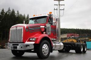 2012 Kenworth T800 with VIT Interior T800
