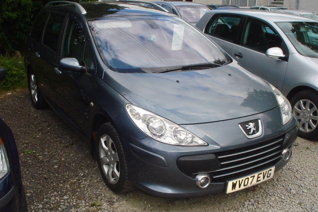 peugeot 307 sw s hdi 90 2007 07 reg 1600cc turbo diesel 101 000 miles runs in redruth. Black Bedroom Furniture Sets. Home Design Ideas
