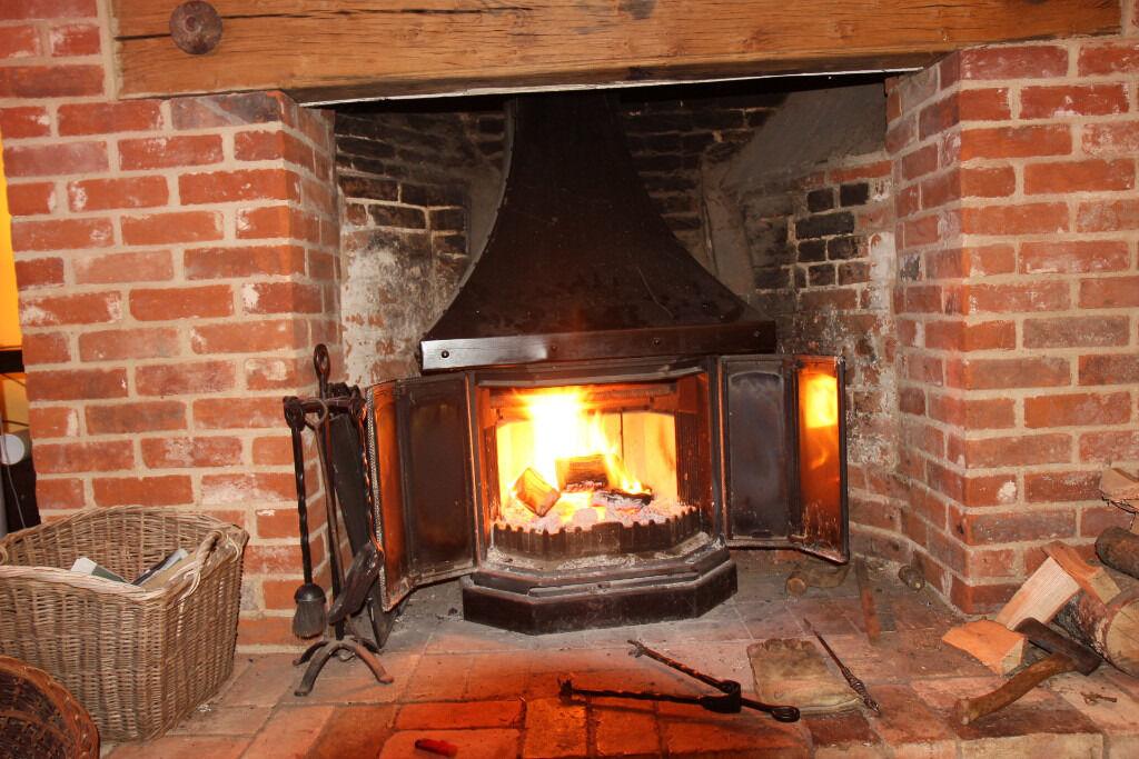 Large Dovre 2300cb Wood Burning Stove Fireplace Gc Uk