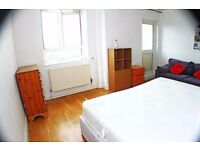 Brigth double room **