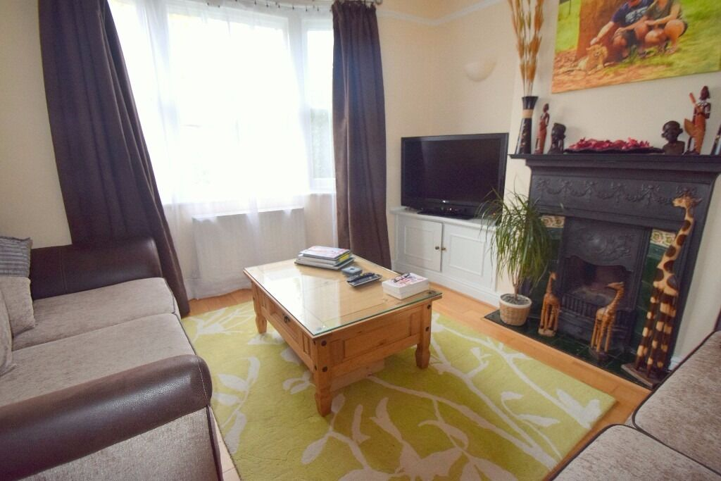 Stunning 2 bed 1 bath with private garden, Wimbledon, SW19
